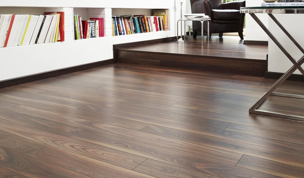 Hoàn thiện sàn gỗ chiu liu lào