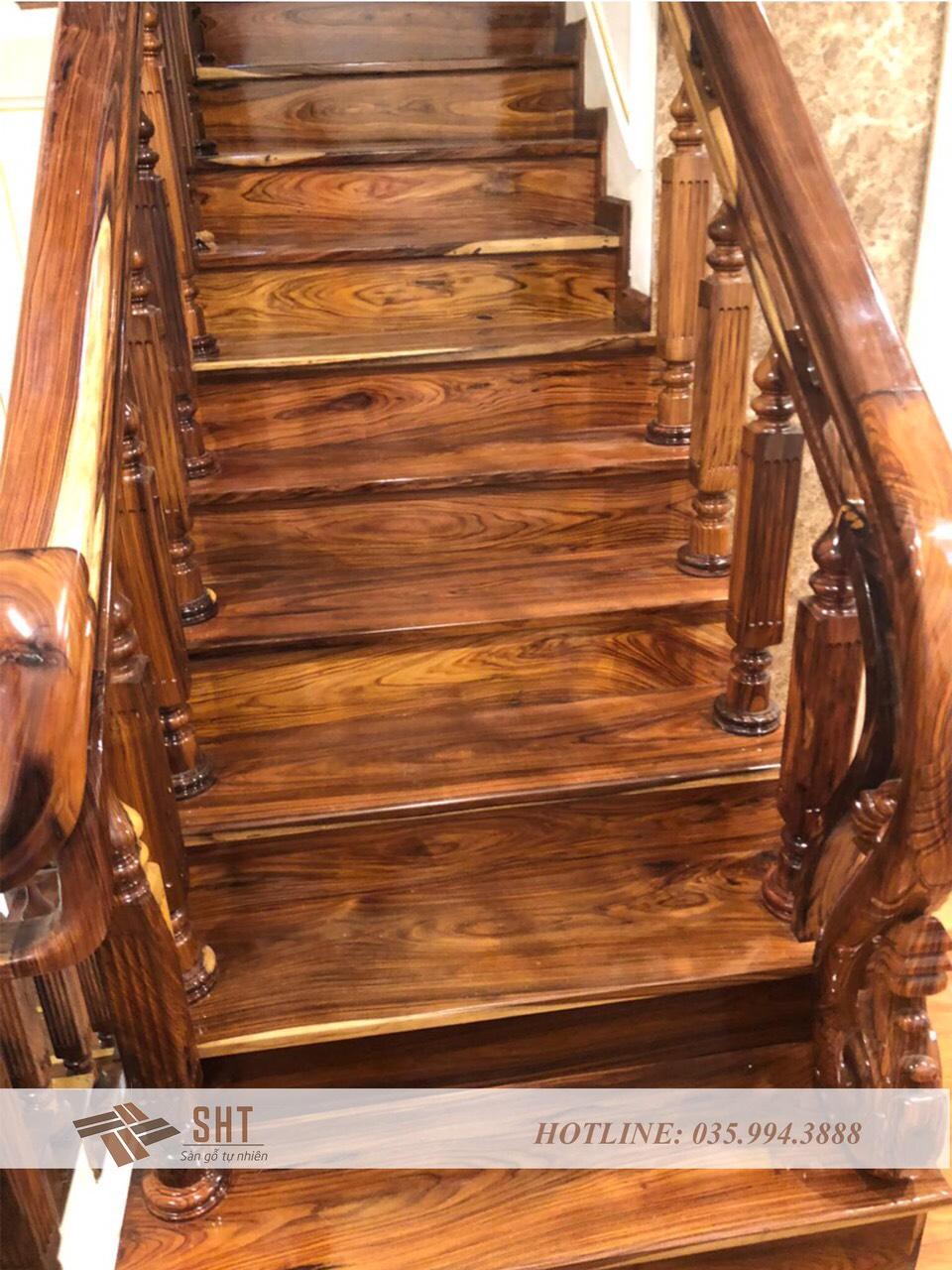 Bậc cầu thang gỗ cẩm lai