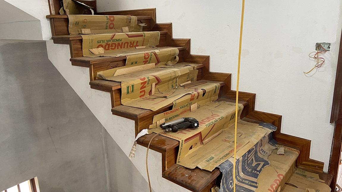 Cầu thang gỗ lim Nam Phi