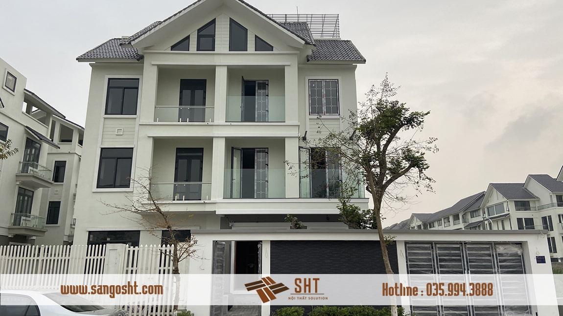 Lắp đặt cửa gỗ lim tại biệt thự Hà Nội