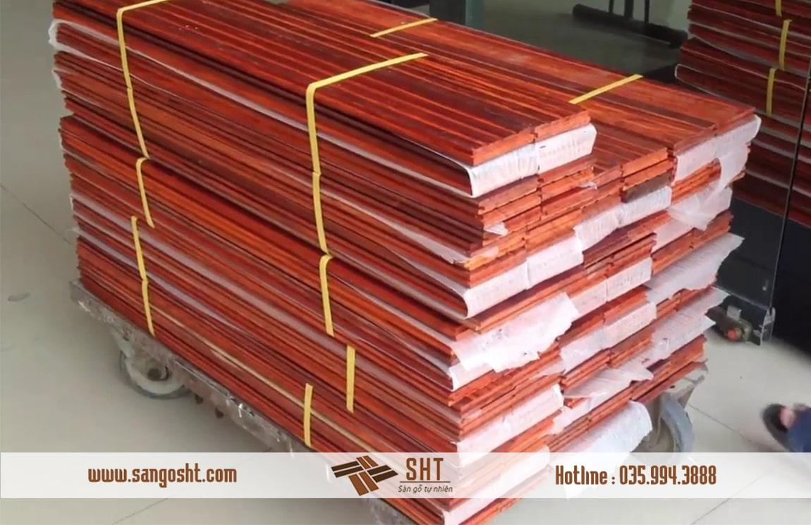 Sàn gỗ hương tự nhiên